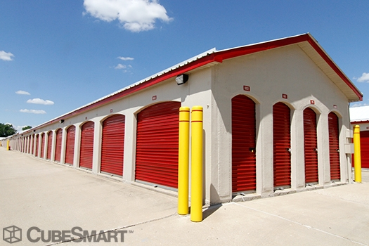 CubeSmart Self Storage3606 Gabrielle Lane - Aurora, IL - Photo 6