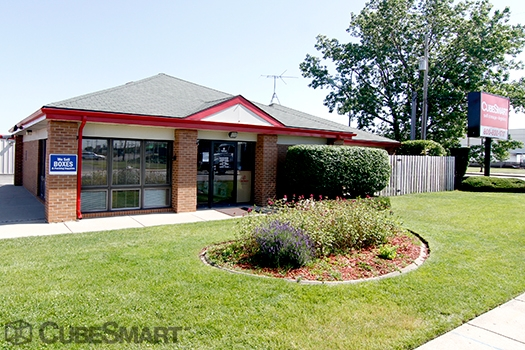 CubeSmart Self Storage1750 Busse Road - Elk Grove Village, IL - Photo 0