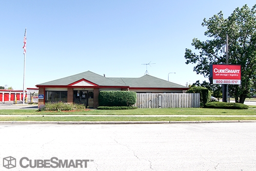 CubeSmart Self Storage1750 Busse Road - Elk Grove Village, IL - Photo 1
