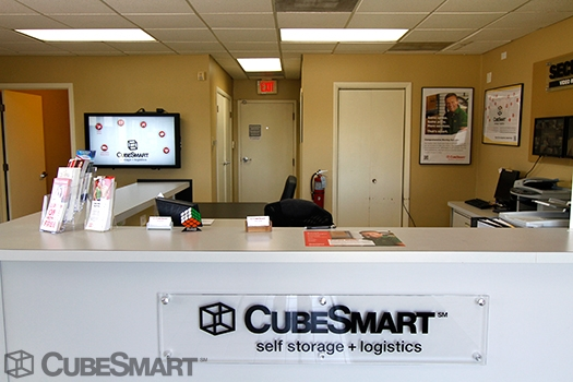 CubeSmart Self Storage1750 Busse Road - Elk Grove Village, IL - Photo 2