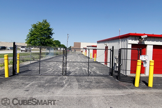 CubeSmart Self Storage1750 Busse Road - Elk Grove Village, IL - Photo 4