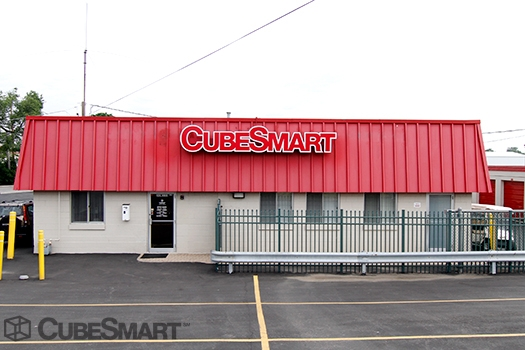 CubeSmart Self Storage30W330 Butterfield Rd - Warrenville, IL - Photo 0