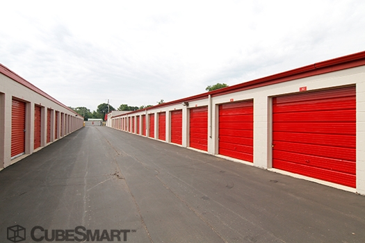 CubeSmart Self Storage30W330 Butterfield Rd - Warrenville, IL - Photo 4