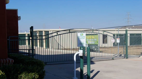 Metro Self Storage - Fort Worth - White Settlement RD9528 White Settlement Rd - Fort Worth, TX - Photo 3