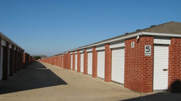 Metro Self Storage - Garland2809 Belt Line Rd - Garland, TX - Photo 2