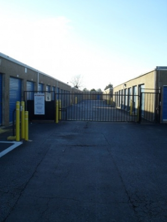 AAAA Self Storage - Portsmouth - Elm Ave.426 Elm Ave - Portsmouth, VA - Photo 3