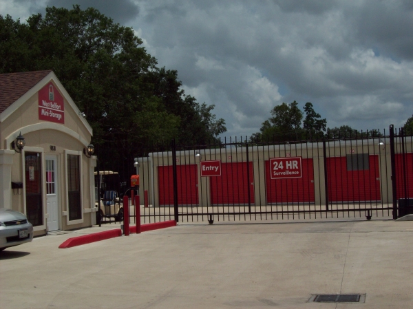West Bellfort Self Storage9831 W Bellfort St - Houston, TX - Photo 2