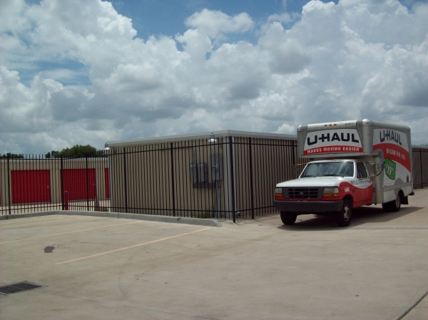 West Bellfort Self Storage9831 W Bellfort St - Houston, TX - Photo 3
