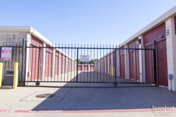 Alamo Self Storage - Carrollton1953 E Frankford Rd - Carrollton, TX - Photo 2