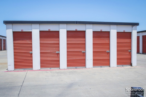 Alamo Self Storage - Dependable2855 Fort Worth Ave - Dallas, TX - Photo 5