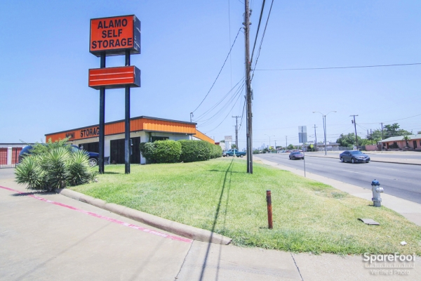 Alamo Self Storage - Dependable2855 Fort Worth Ave - Dallas, TX - Photo 8