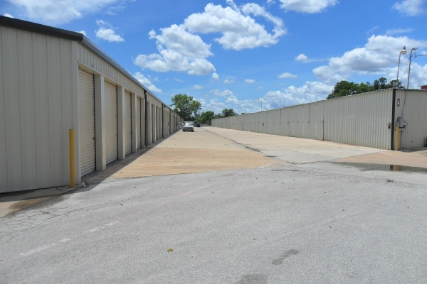 A & B Storage8750 Old Galveston Rd - Houston, TX - Photo 3