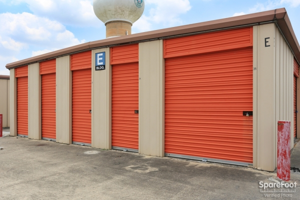 Red Bluff Self Storage3601 Red Bluff Rd - Pasadena, TX - Photo 4