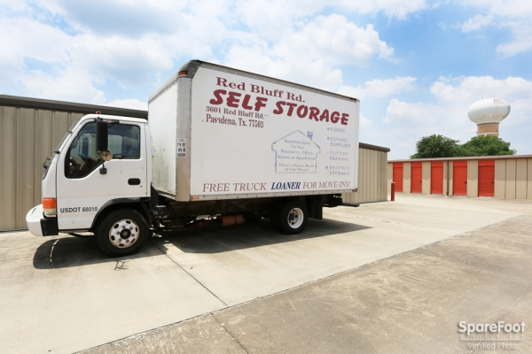 Red Bluff Self Storage3601 Red Bluff Rd - Pasadena, TX - Photo 6