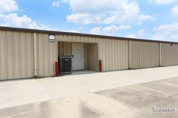 Red Bluff Self Storage3601 Red Bluff Rd - Pasadena, TX - Photo 8