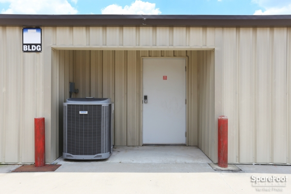 Red Bluff Self Storage3601 Red Bluff Rd - Pasadena, TX - Photo 9