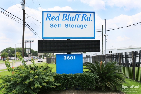 Red Bluff Self Storage3601 Red Bluff Rd - Pasadena, TX - Photo 12