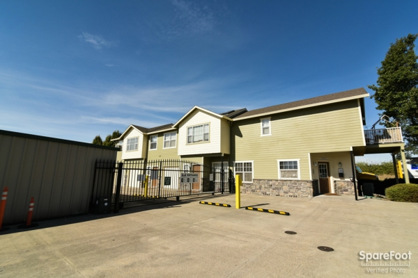Iron Gate Storage - Mega7920 NE 117th Ave - Vancouver, WA - Photo 5