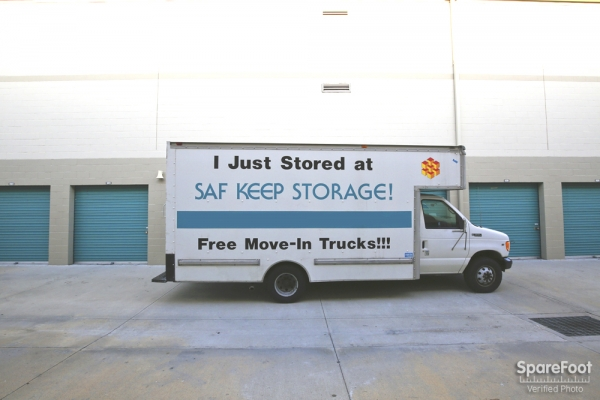 Saf Keep Self Storage - Los Angeles - San Fernando Road2840 N San Fernando Rd - Los Angeles, CA - Photo 8