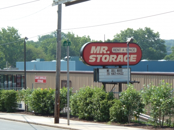 Mr. Storage - Manayunk5026 Ridge Ave - Philadelphia, PA - Photo 3