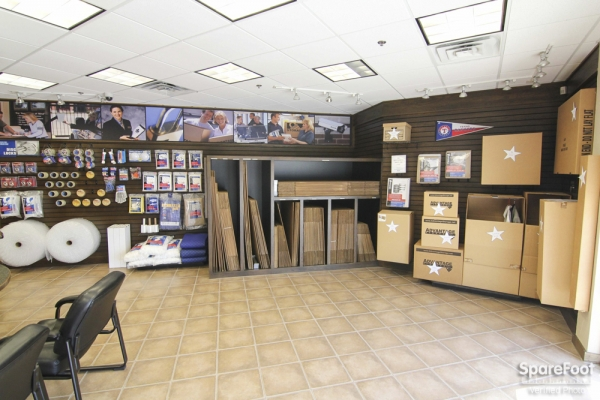 Advantage Storage - Las Colinas330 W. IH635 - Irving, TX - Photo 11