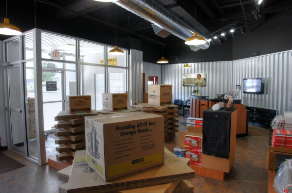 StorageMart - Broadway & 34th3401 Broadway St - Kansas City, MO - Photo 1