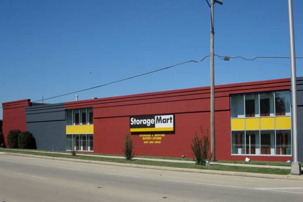 StorageMart - North Ave & I-355100 West North Ave - Lombard, IL - Photo 0