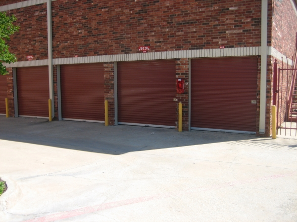 Macho Self Storage - Fort Worth3901 Sycamore School Rd - Fort Worth, TX - Photo 2
