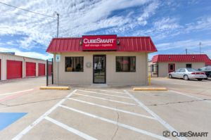 Photo of CubeSmart Self Storage - Saginaw - 419 N Saginaw Blvd
