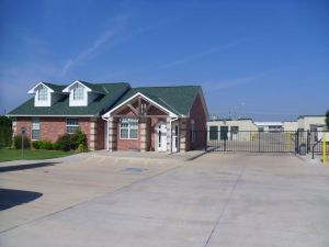 Photo of SecurCare Self Storage - Norman - Research Park Blvd.