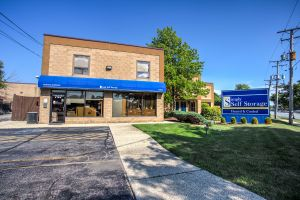 Photo of Simply Self Storage - Glenview, IL - Milwaukee Ave