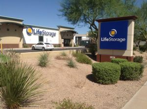 Life Storage - Phoenix - North 83rd Avenue