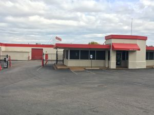 Photo of Devon Self Storage - Poplar Ave.