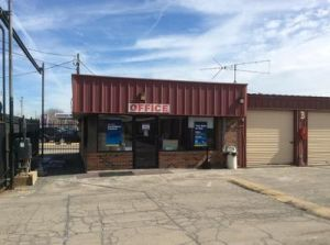 Photo of Uncle Bob's Self Storage - Alsip - West 111th Street