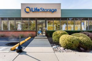 Photo of Life Storage - Chicago - 5860 North Pulaski Road