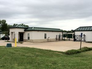 Photo of MaxSecure Storage - E 13th St & Top 20 Self-Storage Units in Wichita KS w/ Prices u0026 Reviews