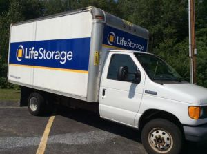 Life Storage - Lee