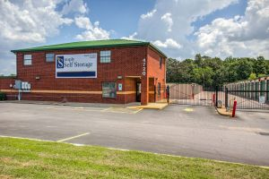 Photo of Simply Self Storage - Memphis, TN - Getwell Rd