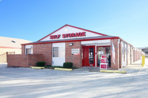 Photo of iStorage Shawnee Nieman St.