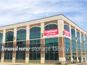 Photo of CubeSmart Self Storage - Chicago - 6000 W Touhy Ave