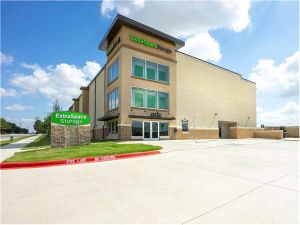 Photo of Extra Space Storage - Irving - Esters Blvd