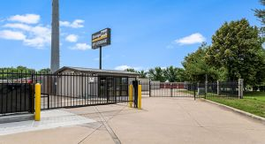 Photo of StorageMart - NW 94th St & Hickman Rd