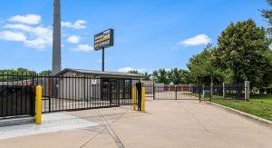 StorageMart - NW 94th St & Hickman Rd