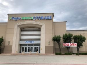 Photo of Right Move Storage - Ridgmar Mall