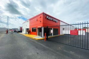 Photo of Public Storage - Oakland Park - 1650 W Oakland Park Blvd