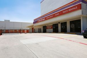Public Storage - Dallas - 5342 E Mockingbird Lane