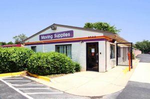 Public Storage - Suitland - 3700 Saint Barnabas Rd