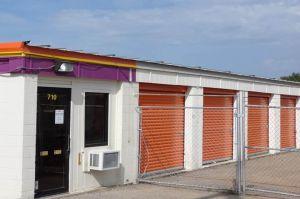 Photo of Public Storage - Topeka - 710 SE 8th Ave