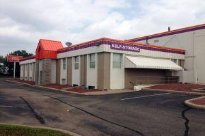 Public Storage - Bloomington - 9033 Lyndale Ave S