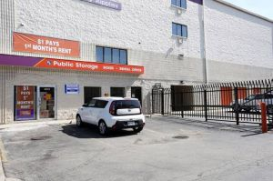 Photo of Public Storage - Chicago - 4072 N Broadway Street